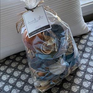 Bag of large sized potpourri